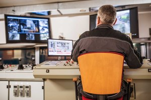 New apps and software are evolving the role of the 911 dispatcher. (photo/iStock)