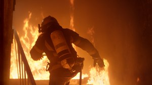 When you're battling blazes that top out at 2,000 degrees, your PPE can often feel like a burden. (image/iStock)