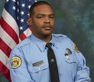 Officer Daryle Holloway. (AP Image)