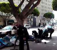 Video: LA police kill man during struggle over service weapon