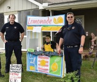 Responders support boy's lemonade stand after man complains