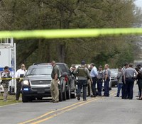 La. man accused of killing US marshal dies