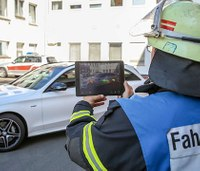 Mercedes-Benz app gives firefighters 3-D view of cars