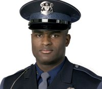 Passersby help subdue men who attacked Mich. trooper