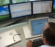 Managing data collection to aid first responder decision making