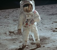 What officers can learn from the Apollo moon landing