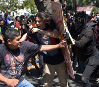 Berkeley police get to use pepper spray at violent protests