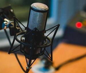 Invest in a decent microphone for a high-quality listening experience for your EMS podcast listeners. (Photo/Pixabay)