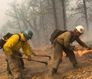 Here's what structural fire departments need to know about wildland firefighting PPE. (Photo/U.S. Department of the Interior)
