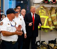 Trump meets Fla. firefighters, thanks them for their service