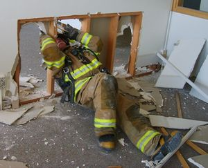 The rapid intervention team is no place for inexperienced and untrained firefighters. (Photo/City of Pullman, Wash.)