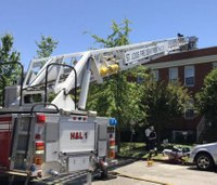 St. Louis firefighter injured after falling through roof