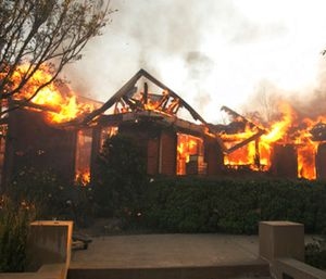 Mandatory evacuations were ordered in the wine country north of San Francisco Bay. (Photo/AP)