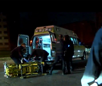 Video: Stretcher carrying shooting victim tips over