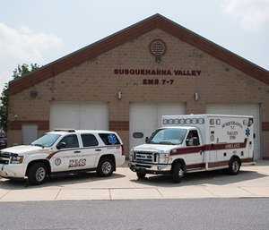 An EMS agency is taking on its EMT shortage by paying students to undergo a training program. (Photo/SVEMS)