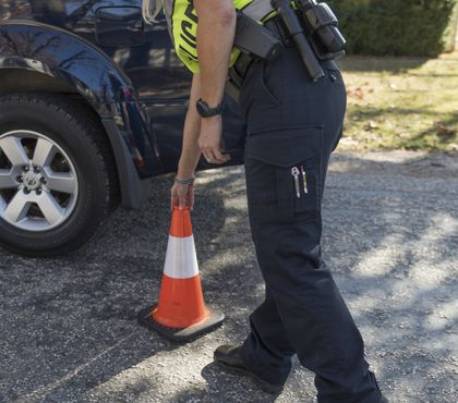 How police can set up a safe work zone at roadway incidents