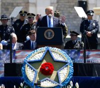 Video: Trump honors fallen during Police Week, vows to reduce violence