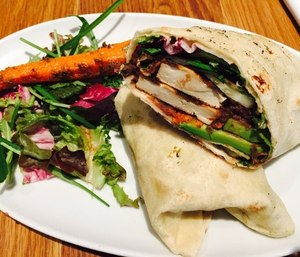 Wraps of vegetables are a tasty and healthy on-the-go meal for EMS providers. (Image/Pixabay)