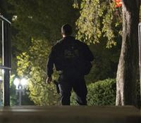 Video: Man jumps White House fence, assaults 2 K-9s