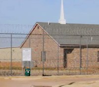 Man on a mission to build chapels at all Okla. prisons