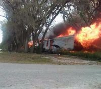 Families of 2 Fla. COs lose homes in fire