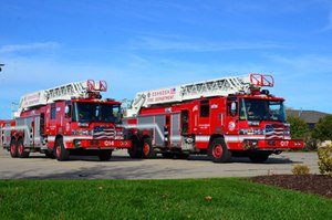 Pierce Manufacturing has placed a pair of Pierce® Quantum® quint 105-foot heavy-duty aerial ladders into service with the Oshkosh Fire Department in Oshkosh, Wisconsin.