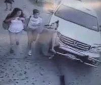 Video: SUV runs down schoolgirls in Queens