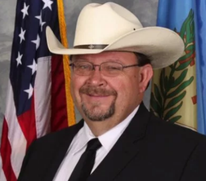 Court to decide whether Okla  sheriff must face trial over