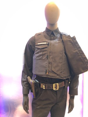 For a low-viz look, the front plate carrier on the Traverse Dress is hidden behind what looks to be a buttoned uniform shirt. (Photo/Ron LaPedis)