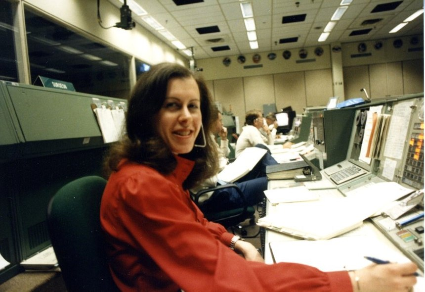 Author Barbara Schwartz served as the flight activities officer in the historic Mission Control room during the Orbit 1 shift for Space Shuttle flight STS-31 (61-B) in 1985. (Photo/NASA)