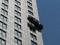 Firefighters rescue workers stuck on scaffolding