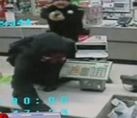 Video: Ohio cop thwarts Walgreens robbery while picking up surveillance tapes